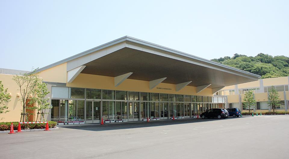 新設特別支援学校(仮称)共用部門・給食棟電気設備工事 共用部門棟(平成24年1月竣工)