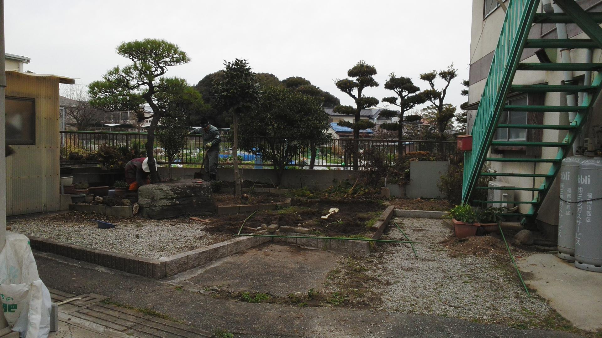 花壇スペースを駐車場